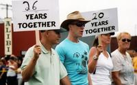 "26 years together and ""20 years together"" signs at Pride Parade, 2007"